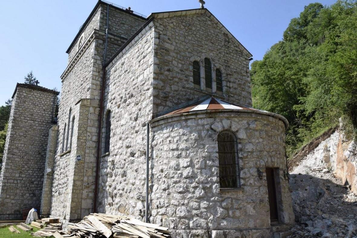crkva_gospe_olovske_bih4.jpg - Muslimani i katolici obnavljaju Gospino svetište u Olovu | Imam i fratar: Bosne će biti uvijek (Video)