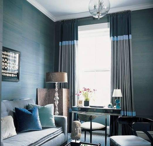 living-room-with-blue-navy-gray-curtains.jpg - 10 super ideja za uređenje dnevnog boravka